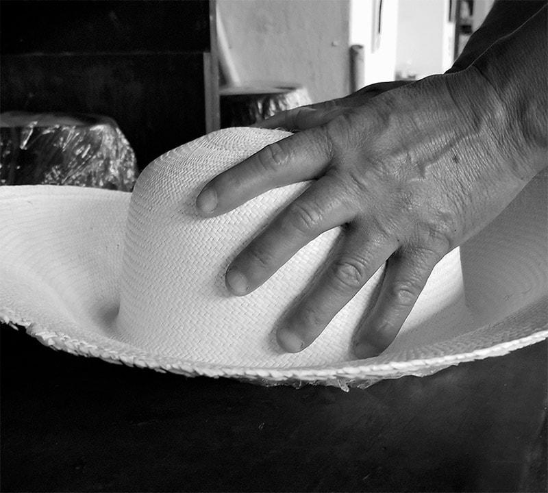 museo-del-sombrero-de-paja-toquilla-Proceso-de-Confeccion-5-min