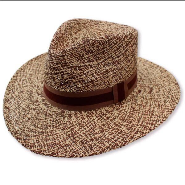 museo-del-sombrero-de-paja-toquilla-cuenca-ecuador-panama-hats-sombrero-Borsalino-1